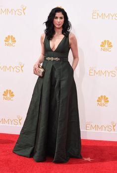 Pin for Later: 1 Nacht, 46 fabelhafte Kleider Sarah Silverman Sarah Silverman erlaubte tiefe Einblicke mit einem Kleid von Marni.