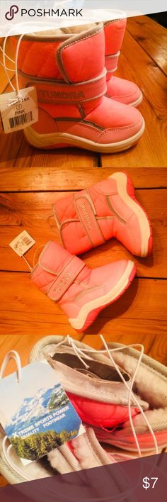 Baby Girl's Pink Fur Lined Snow Boots! (US 7) Pink Fur-Lined Snow Boots  Brand: Tundra  Size: US 7 (Toddler Girls)  Condition: Tags still attached, some very minor wear due to my little girl wearing them once around the house but she grew out of this size before she could wear them outside! Tundra Shoes Rain & Snow Boots