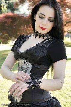 Model: SilkyPhoto, Edition & Makeup : Margarida AmaralClothing & Accessories : Darkskies