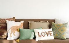 Cómo combinar cojines en el sofá