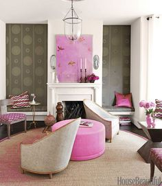 Pink living room with art. #Painting #Decoration