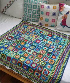 Crochet Blanket Edging, Crochet Bedspread, Crochet Cardigan Pattern, Crochet Patterns, Patchwork Bedspreads, Beginner Crochet Tutorial, Crochet Stitches For Beginners, Crochet Baby Mittens, Crochet Baby Clothes