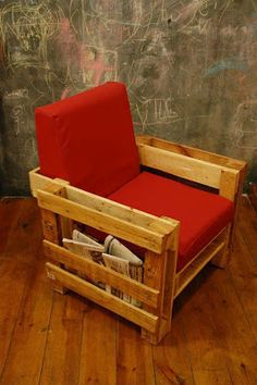 To make a pallet chair using these recycled pallets is an awesome idea. The pallet chair can