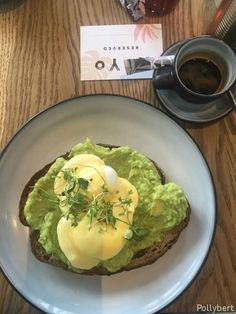 Eggs Benedict in Vienna (Part 2) - they still look different in every place Breakfast Pizza, Breakfast Dishes, Breakfast Sandwiches, Egg Recipes, Healthy Recipes, Breakfast Around The World, Mexican Breakfast Recipes, Egg Toast, Baked Eggs
