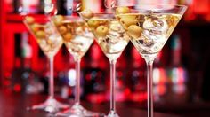 Your-cocktail-is-served-ordering-drinks-is-hassle-free-with-coaster-app-99d290685a