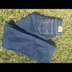 Levi jeans dark denim sz 7L Levi jeans sz 7L curvy cut great condition Levi's Jeans