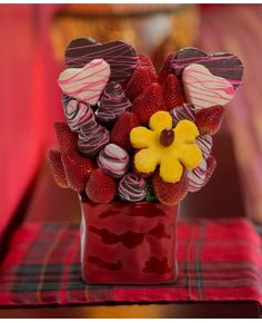 Let me Call you Sweetheart scent free fruit bouquet are great for all occasions and make great gifts ideas or decorations from a proud Canadian Company. Great alternative to traditional flowers or fruit baskets Valentines Presents For Her, Presents For Him, Valentine Gifts, Fruit Juice Recipes, Fruit Drinks, Veggie Display, Fruit Box, Free Fruit, Party Platters