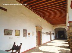 Museo de Artes e Industrias Populares en Pátzcuaro, localizado a corta distancia de nuestro Hotel Mansión Iturbe.