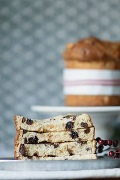 No Christmas Is Complete Without a Classic Italian Panettone Italian Christmas Traditions, Italian Christmas Cake, Christmas Bread, Christmas Brunch, Christmas Goodies, Xmas, Italian Panettone, Cream Cheese Bread, Star Cookies