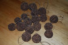 Primitive Christmas Decorations To Make | Back to playing with some burlap.....creating garland for my trees ...