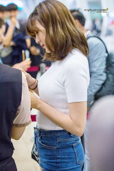 Oh Hayoung, Fairy Princesses, Cube Entertainment, Love At First Sight, Korean Girl Groups, Pretty Woman, Kpop Girls, Asian Beauty, Memories