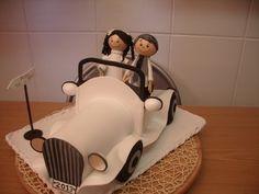 COMO HACER COCHE DE NOVIOS EN GOMA EVA Biscuit, Clay Figurine, Foam Sheets, Ideas Para Fiestas, Fondant Figures, All Craft, Wedding Crafts, Foam Crafts, Cold Porcelain