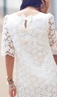 Lace dress with little bows