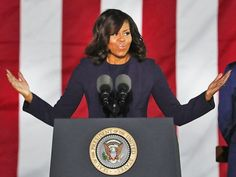Nach der überraschenden Wahl Donald Trumps zum nächsten US-Präsidenten greifen viele entsetzte Bürger nach jedem Strohhalm. So mancher setzt all seine Hoffnung in die scheidende First Lady Michelle Obama.