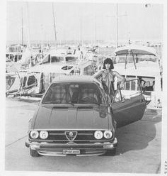 Alfa Romeo Alfasud Sprint car) Promo picture, love those period fashionable settings ; Alfasud Sprint, Alfa Alfa, Alfa Romeo, Good Old, Fiat, Vintage Photos, Classic Cars, Sport, Period