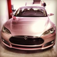 SIGH....  This #tesla #models is sitting pretty in pink.