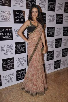 Shraddha Kapoor - Lakme Fashion Week Love this understated beauty and simplicity of this pretty chiffon floral sari/lehenga Sabyasachi Sarees, Lehenga, Indian Sarees, Anarkali, Shraddha Kapoor Saree, Ethnic Sarees, Handloom Saree, Indian Dresses, Indian Outfits