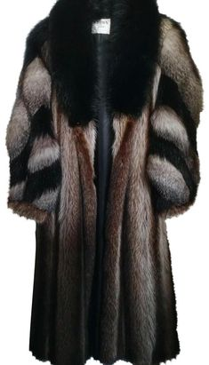 Fill your Tradesy shopping bag with treasures at up to off retail. Log in and build your dream closet. Fur Coat Outfit, Fur Coat Fashion, Black Fur Coat, Long Fur Coat, Shearling Coat, Sable Fur Coat, Mink Fur, Cute Casual Outfits, Winter Fashion
