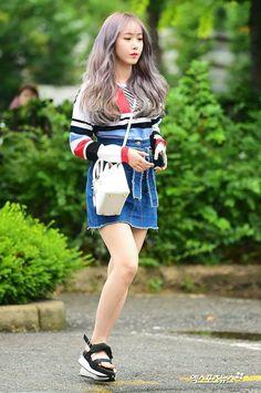 Kpop Fashion, Pink Fashion, Asian Fashion, Fashion Looks, Airport Fashion, Extended Play, A Line Mini Skirt, Mini Skirts, South Korean Girls