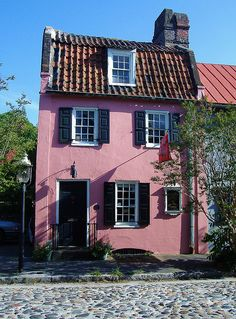Charleston Pink House Circa 1690