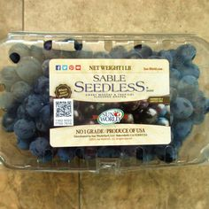 Sable Seedless Grapes - Eat Like No One Else Black Grapes, Types Of Fruit, Growing Grapes, How To Eat Better, Muscat, Fruit In Season, Best Fruits, Grocery Store, Farmers Market