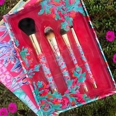 This weekend, give the gift of glam. Receive a 4 piece brush collection with the purchase of 3 items. Minimum spend $100. 