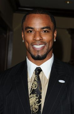 Football player Darren Sharper and his gorgeous dimples fit my idea of actor Vaughn Breland in AIN'T TOO PROUD TO BEG perfectly!