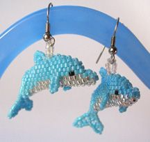 3D Bottlenose Dolphin Bead Pattern. Make a realistic little dolphin, with cute, friendly appeal. These dolphins can be made with seed beads or delica beads. Dolphins made with delicas have a compact, sleek quality, as the beads lock together well. Sculptural peyote allows for effortless increases and decreases.