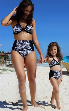 efb2a8f0a6 Family Matching Swimwear Mother and daughter Bikini Clothes Mermaid Floral  Family Look Mom and Daughter Swimsuit