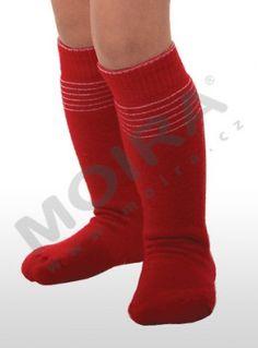 červená Socks, Fashion, Moda, Fashion Styles, Sock, Stockings, Fashion Illustrations, Ankle Socks, Hosiery