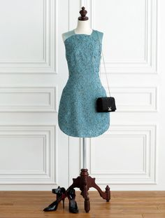 エンポリオ アルマーニのドレス