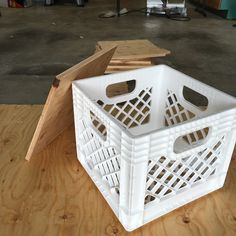 Crate stools: the perfect combination of extra seating and much needed storage. This easy DIY project will brighten up your classroom décor and aid your classroom organization. Milk Crate Chairs, Milk Crate Furniture, Crate Stools, Milk Crates, Home Decor Furniture, Classroom Decor Themes, Classroom Décor, Classroom Organization, Home Daycare