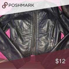 Leather Jacket PLEASE READ!!!! Says it's a size medium, but I think it would fit someone who's a size xs/small better. THERE IS NO ZIPPER!! IT BROKE!! :( Super cute & never worn! Please make any offers Forever 21 Jackets & Coats