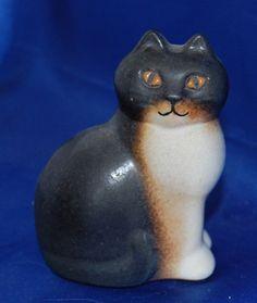 LISA LARSON CAT