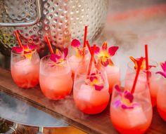 Hawaiian Birthday, Hawaiian Theme, Luau Birthday, Barbados Wedding, Adult Party Themes, Reception Party, Xmas Food, Tropical Party, Luau Party