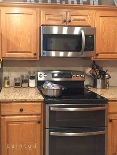 honey oak kitchen cabinets with granite. granite counters with oak cabinets. wood cabinets with granite countertops Staining Oak Cabinets, Honey Oak Cabinets, Kitchen Cabinets And Countertops, Painting Kitchen Cabinets, Wood Cabinets, Kitchen Cupboards, Kitchens With Oak Cabinets, Stained Kitchen Cabinets, Bathroom Cabinets