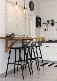 Nice 48 Lovely Small Kitchen Bar Design Ideas For Apartment. Small Kitchen Bar, Kitchen Tiles Design, Wooden Kitchen, Diy Kitchen, Kitchen Decor, Kitchen Stools, Kitchen Bar Counter, Kitchen Designs, Small Bar Table