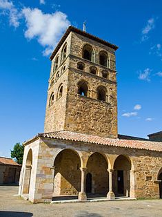 *SPAIN~Tabara is a municipality and village Spanish province of Zamora , in the autonomous community of Castilla y Leon . Architecture Romane, Romanesque Architecture, Spanish Architecture, Sacred Architecture, Church Architecture, San Salvador, All About Spain, Architecture Religieuse, Medieval Tower