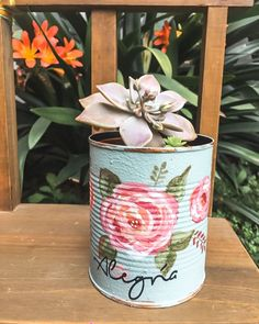 Beautiful Flower Drawings, Beautiful Flowers, Paper Plants, Tin Can Crafts, Red Curtains, Country Chic, Upcycle, Flora, Planter Pots