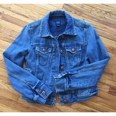 Gap Denim Jacket Xs Classic denim jacket in a medium fade wash w copper buttons and pockets. Tts Xs. Awesome!!! GAP Jackets & Coats Jean Jackets