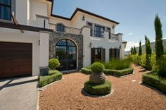 Houses For Sale in Val de Vie. View our selection of apartments, flats, farms, luxury properties and houses for sale in Val de Vie by our knowledgeable Estate Agents.