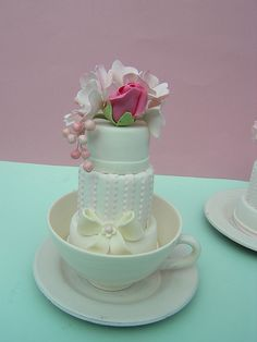 Mini wedding cake by Osedo L Cakes, via Flickr