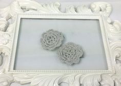 Hey, I found this really awesome Etsy listing at https://www.etsy.com/listing/200856313/grey-crochet-flower-hair-clips-set-of