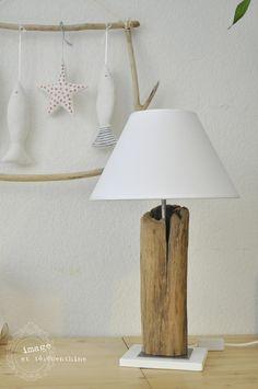 Lampe aus Treibholz mit Lampenschirm aus Baumwolle H 55 cm