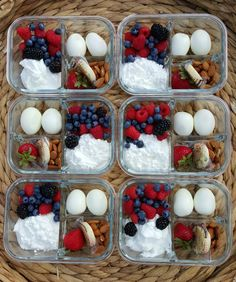 Protein Packed Breakfast Bento Boxes for Clean Eating Mornings! -You can find Mornings and more on our website.Protein Packed Breakfast Bento Boxes for Clean Eating Mornings! Protein Packed Breakfast, Breakfast Recipes, Protein Packed Snacks, High Protein Snacks On The Go, Breakfast Healthy, Breakfast Ideas, Quick Healthy Meals, Healthy Snacks, Healthy Drinks