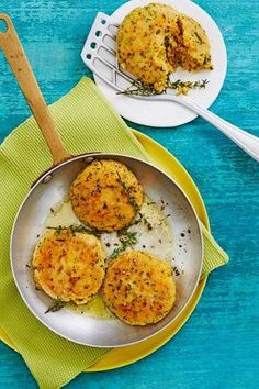 Couscous patties with cheese - Lecker - Vegetarian Couscous Recipes, Veggie Recipes, Seafood Recipes, Crockpot Recipes, Vegetarian Recipes, Chicken Recipes, Snack Recipes, Healthy Recipes, Cooking Recipes