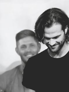 "lemondropsonice: ""N°21 in the Jibcon 2017 edit spam - Saturday Panels: J2 Afternoon "" Look at Jensen.The way he looks and smiles at his boy ♡ I'll never stop telling how much i like it."
