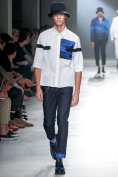 See the complete Neil Barrett Spring 2018 Menswear collection.
