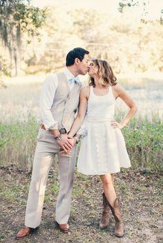 Resultado de imagem para vestido de noiva bota