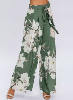 Shop Floryday for affordable Loose Pants & Leggings. Floryday offers latest ladies' Loose Pants & Leggings collections to fit every occasion. Legging Outfits, Leggings Fashion, Fashion Pants, Women's Fashion, Fashion Online, Fashion Websites, Fashion Vintage, High Fashion, Fashion Women